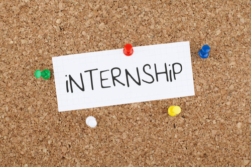 Board with 'internship' pinned to it