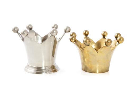 2 crowns